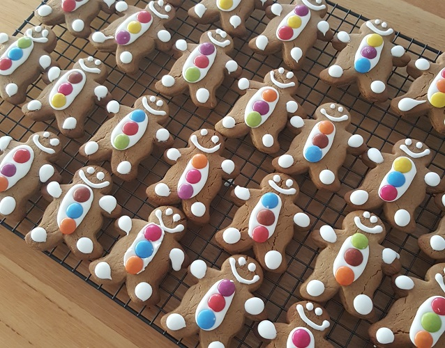 Hope Charitable Foundation Sweets for Syria Fundraiser gingerbread baking 500